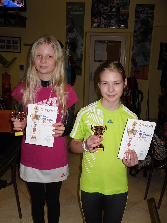3.místo ve dvouhře Hrdinková, Altrichterová