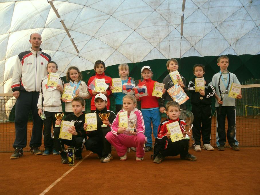 V?ichni hráči turnaje v babytenise DUNLOP SERIE III.Znojmo  25.2.2012