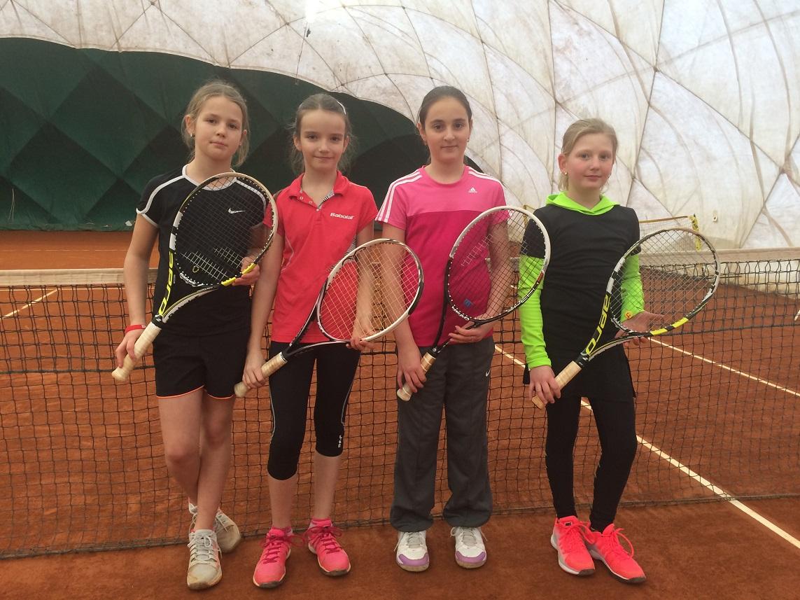 Halový turnaj ml.žákyň ve Znojmě 24.-26.1.2015