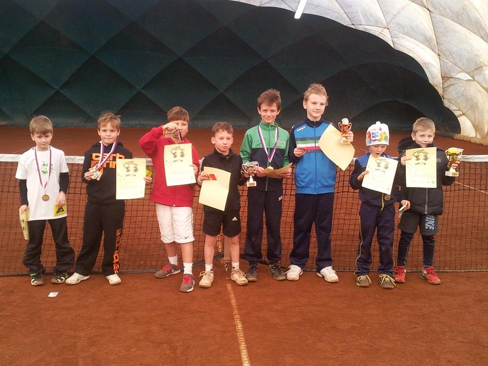 Účastníci turnaje v babytenise v Bedřichově