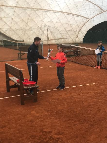 T.Wirgler přebírá pohár za 1.místo v Tišnově